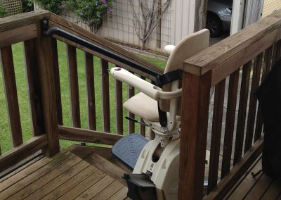 meditek-outdoor-straight-stairlift-4